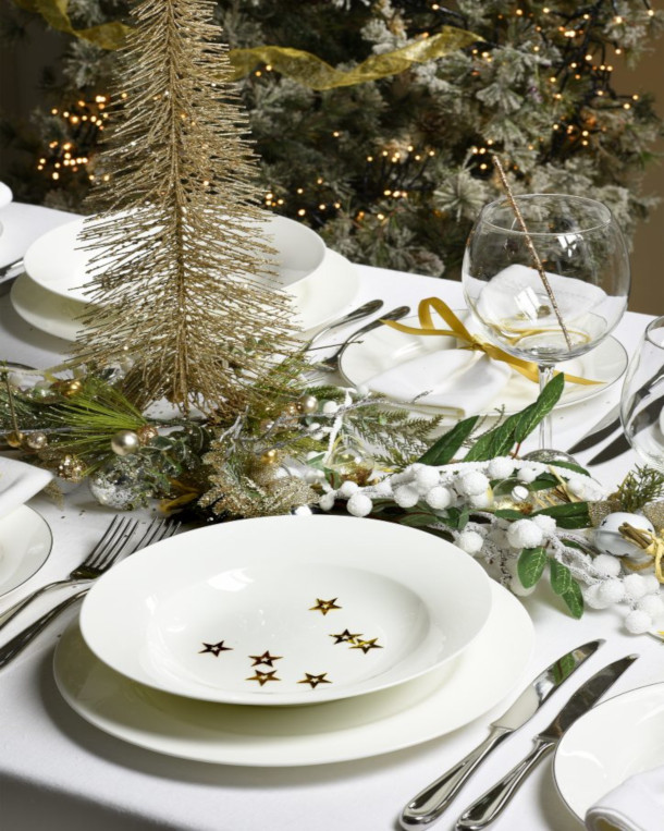 Royal Worcester Serendipity – Christmas Table Setting