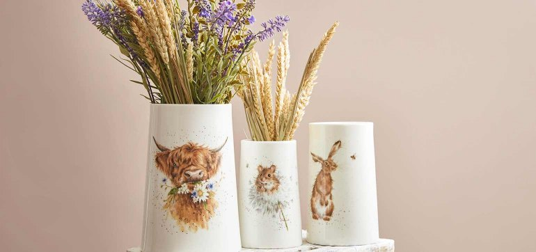 Give a gift that will be adored. Shop homeware, dinner sets, textiles and more.