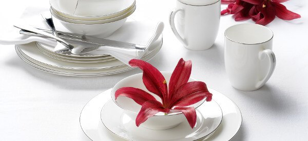Royal Worcester's stunning dining collections bring grace and sophistication to any home